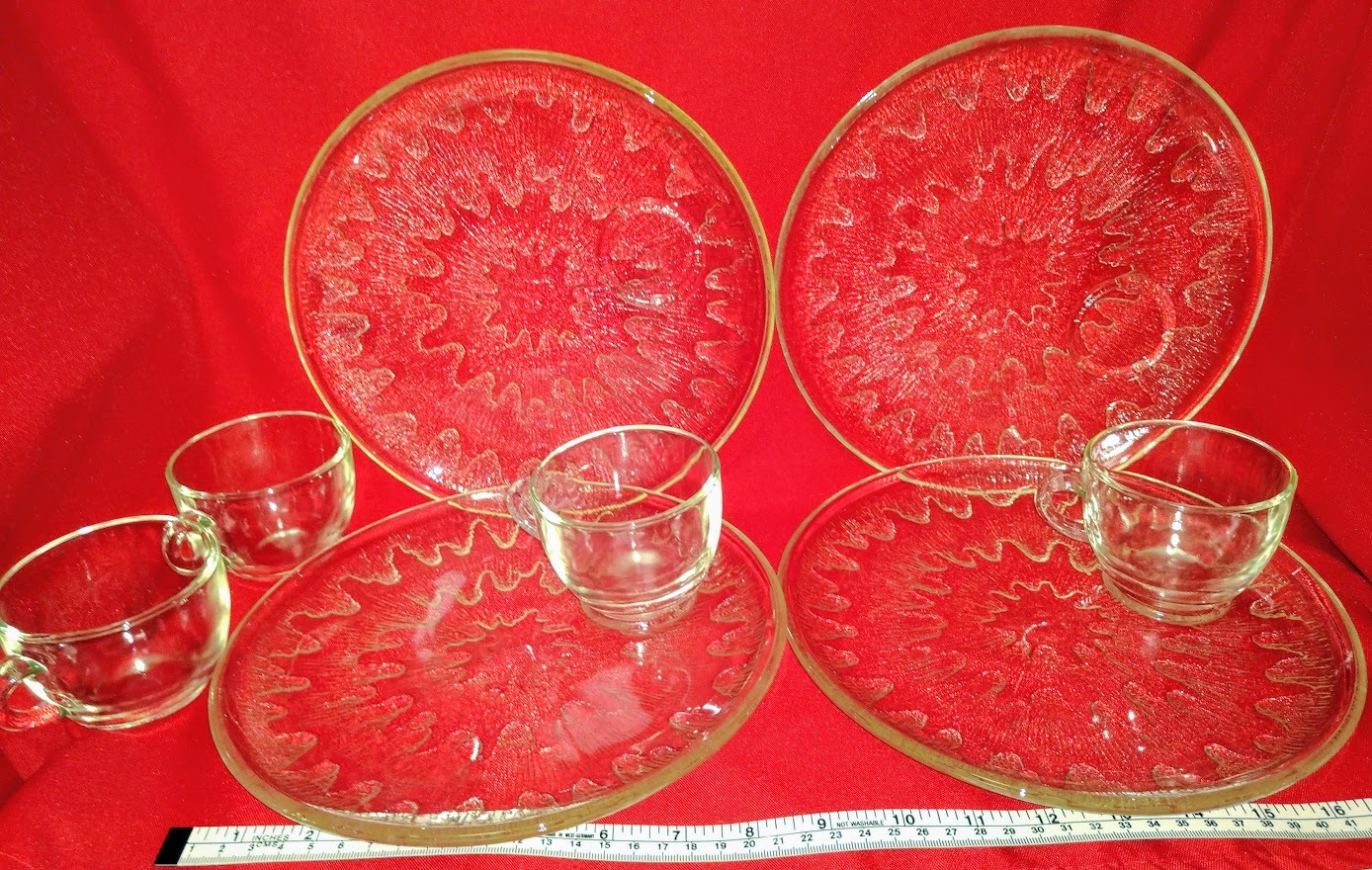 Glass Luncheon Set Indiana Glass Sunburst snack set of 4 plates and 4 cups