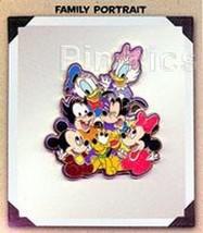 Disneyana Convention Family Portrait  Artist Choice pin/pins - $55.00