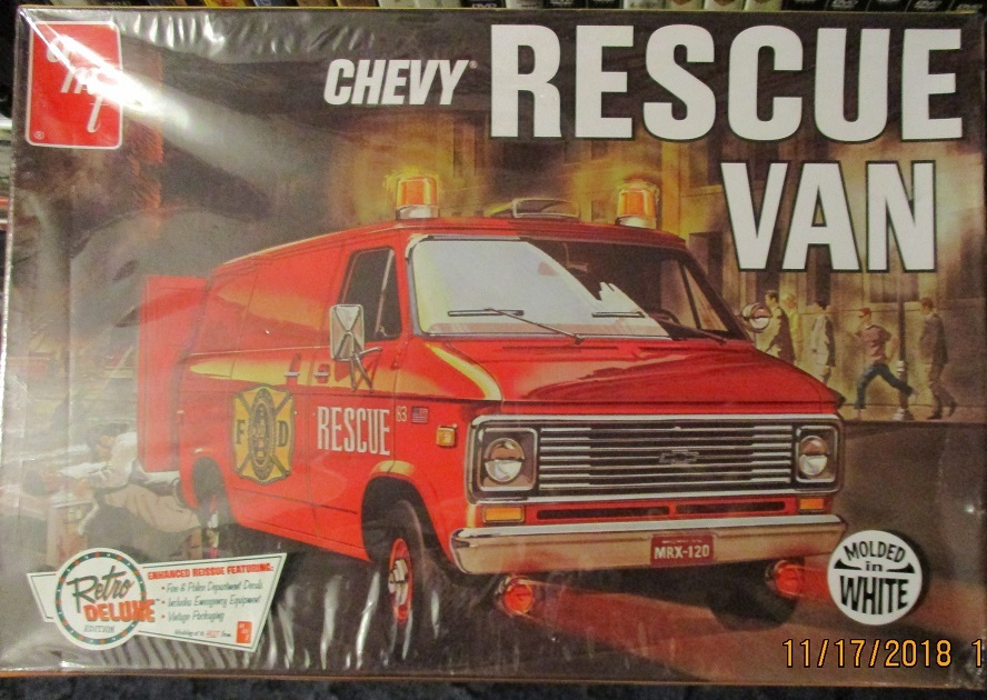 AMT 1975 Rescue Van Chevy 1/25 scale
