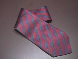 Bugatchi Uomo Silk Neck Tie Stripes of Blues and Red Hand Made - $9.99