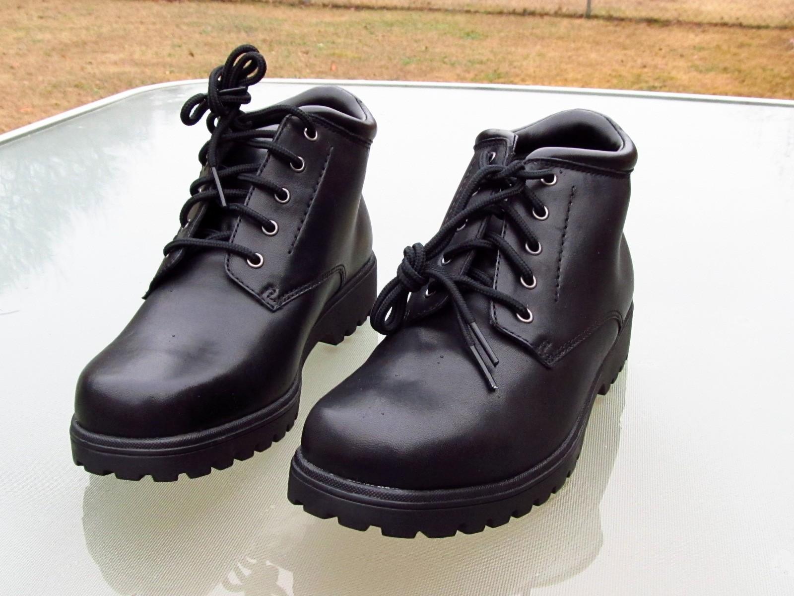 CROFT & BARROW RETREAT Ankle High Black Boots Unused Ladies sz 6 Med image 2