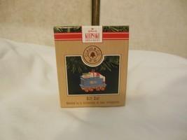 1991 Hallmark Clauss & Co RR Gift Car Keepsake Ornament Christmas Decoration - $2.99