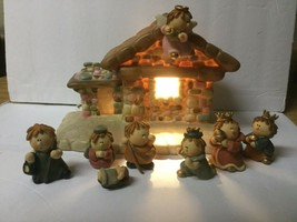 BUMPKINS 8 PIECE NATIVITY SET, BEAUTIFUL LIGHTED STABLES, MARY, JOSEPH, ... - $28.00