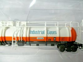 Broadway Limited # 3828 AirCo Cryogenic Tank Car # ULTX 80011 N-Scale image 3