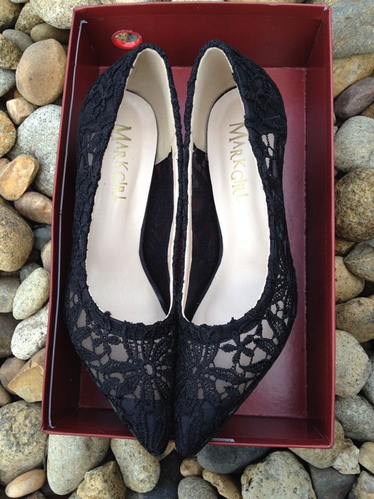 Primary image for Women Black Lace Pointed toe Wedding low heels,Bridal Evening Shoe Size 7,8,9,10
