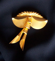 Flirty Dangle Sway Pin Brooch 80s Bold Art Deco Spunky Vintage Goldtone Jewelry - $39.99