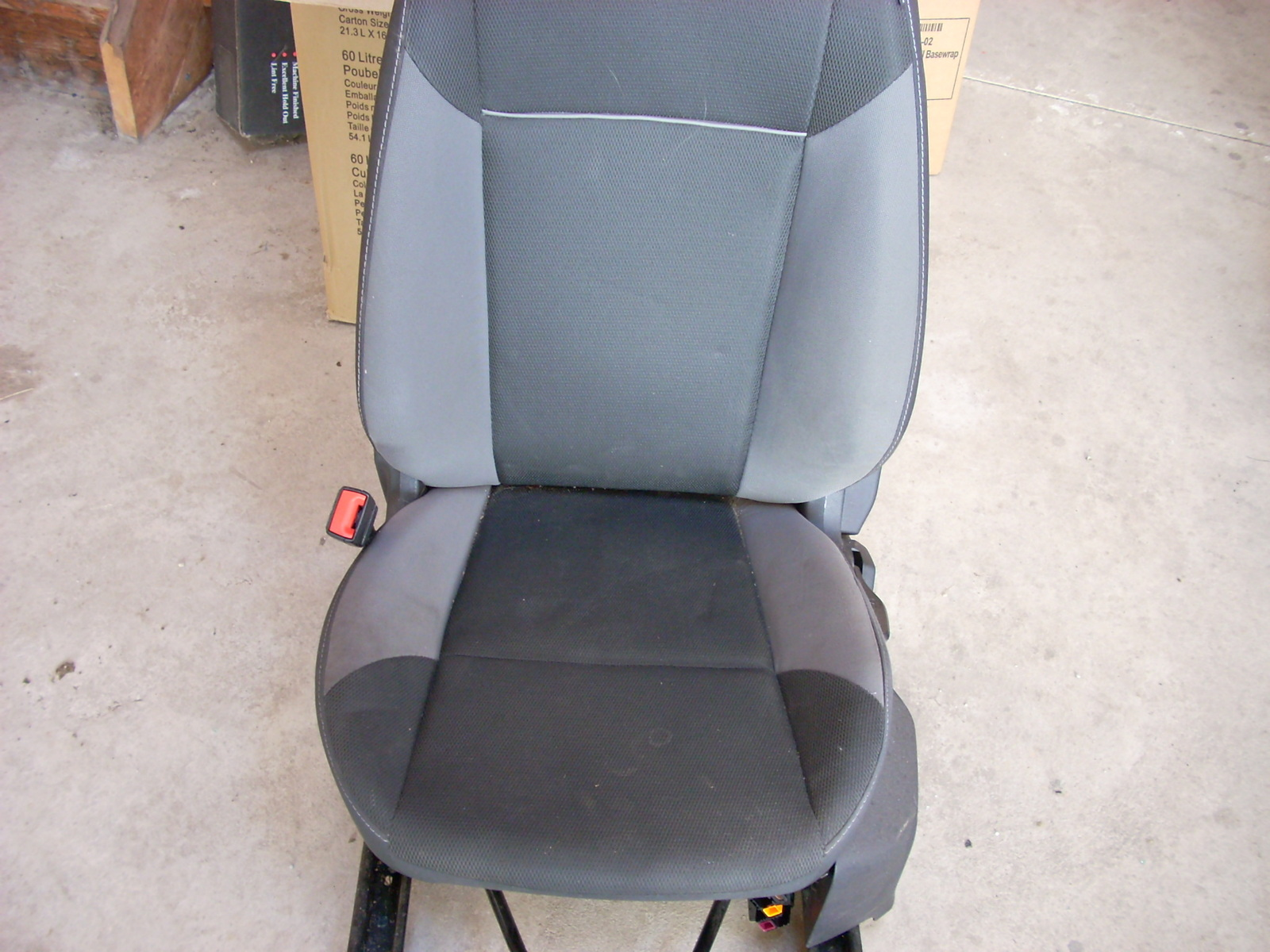 2014 FORD FOCUS LEFT FRONT SEAT