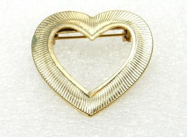 Vintage Costume Jewelry, Gold Tone, Ribbed, Open Heart Shaped Brooch PIN89 - $8.77