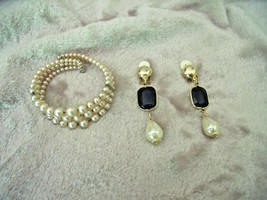 VINTAGE 1960's Faux Black ONYX & PEARL DANGLE CLIP EARRINGS & Cuff BRACELET - $16.40
