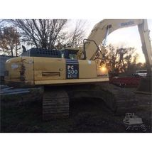 2007 Komatsu PC 300LC-7 For Sale in Good Hope, Illinois 61438 image 2