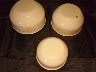 EnamelwareTrio Of Bowls Cream Lavender Print Pretty
