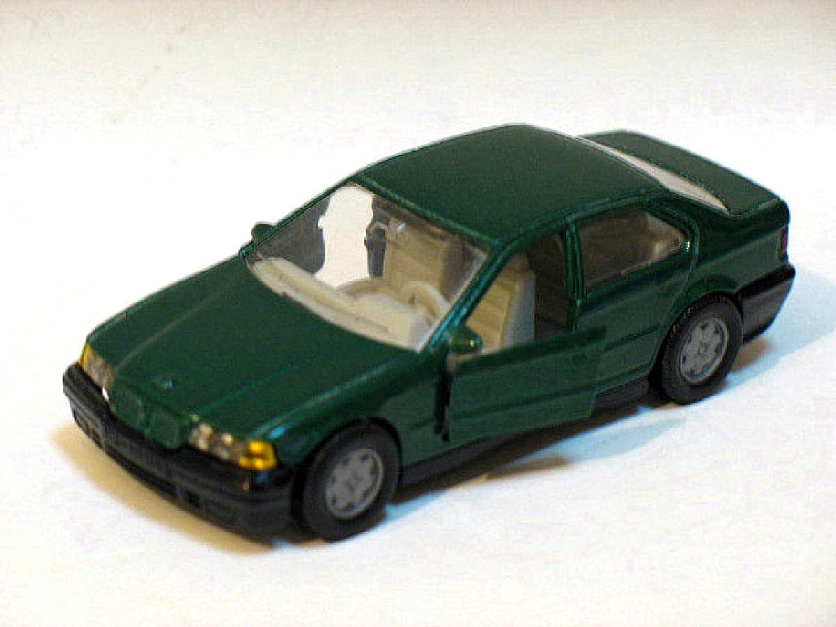 BMW 320i Green 8cm Die Cast Model Car (Very Rare)