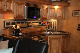 2014 Itasca Ellipse 42QD For Sale In Daytona Beach, FL 32119 image 9
