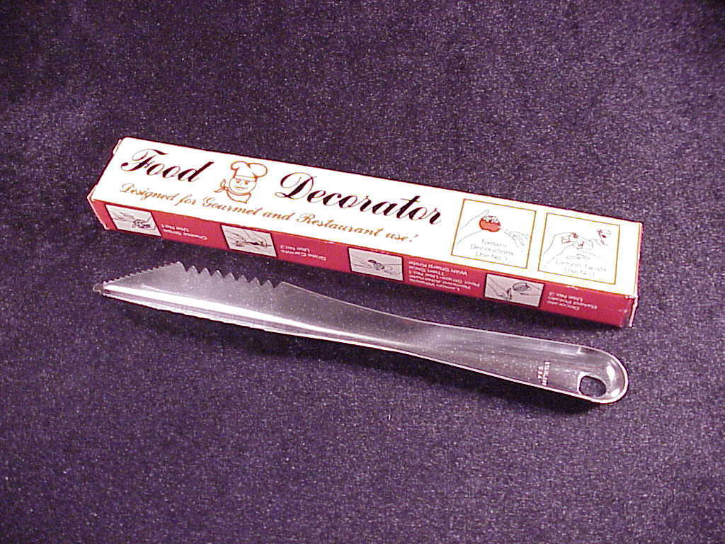 Quikut Food Decorator Kitchen Metal Tool, with box, made in USA, Stainless Steel