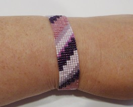 handmade pink and purple diagonal strip pattern beaded bracelet - $9.00