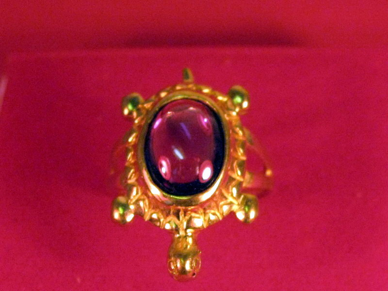 Vintage 14k solid yellow gold turtle with Ruby & Diamond ring size 8