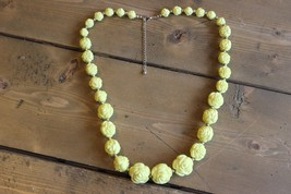 Large Vintage Graduated Yellow Flower Bead Necklace 25.5 - 28.5 inches - $29.67