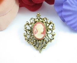 CAMEO  Vintage LAPEL PIN Brooch Orange Pink Crea Heart Shape Goldtone 1 ... - $14.99