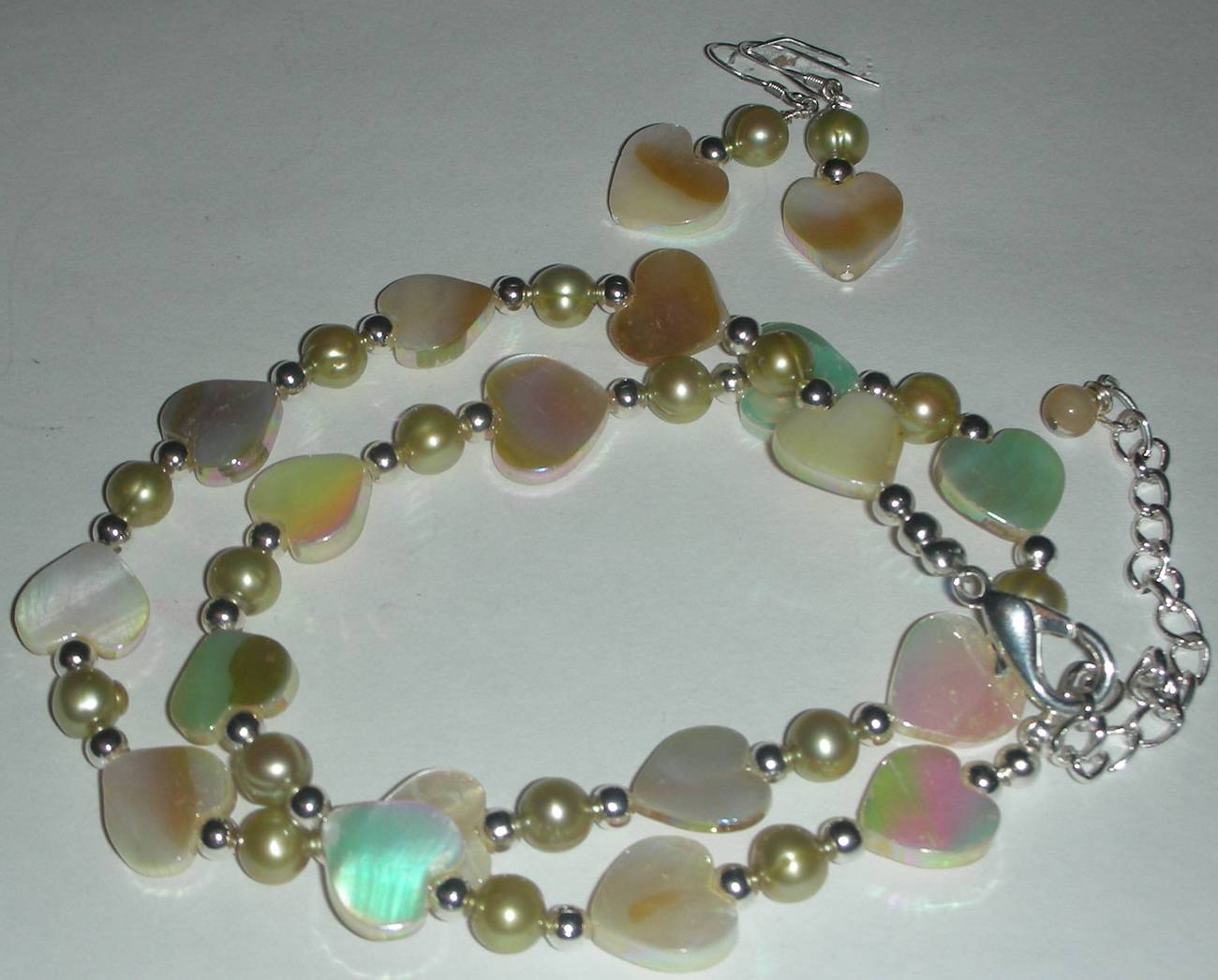 Mother of pearl olive pearls