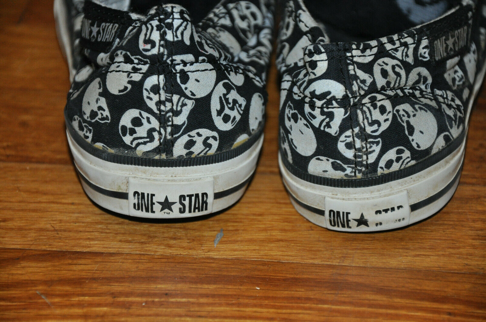 Converse Chuck Taylor One Star Skull Skeleton Sneakers Shoes Women's Sz US 5