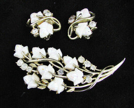 Coro pin & earrings set rhinestones plastic iridescent flowers gold tone... - $17.82