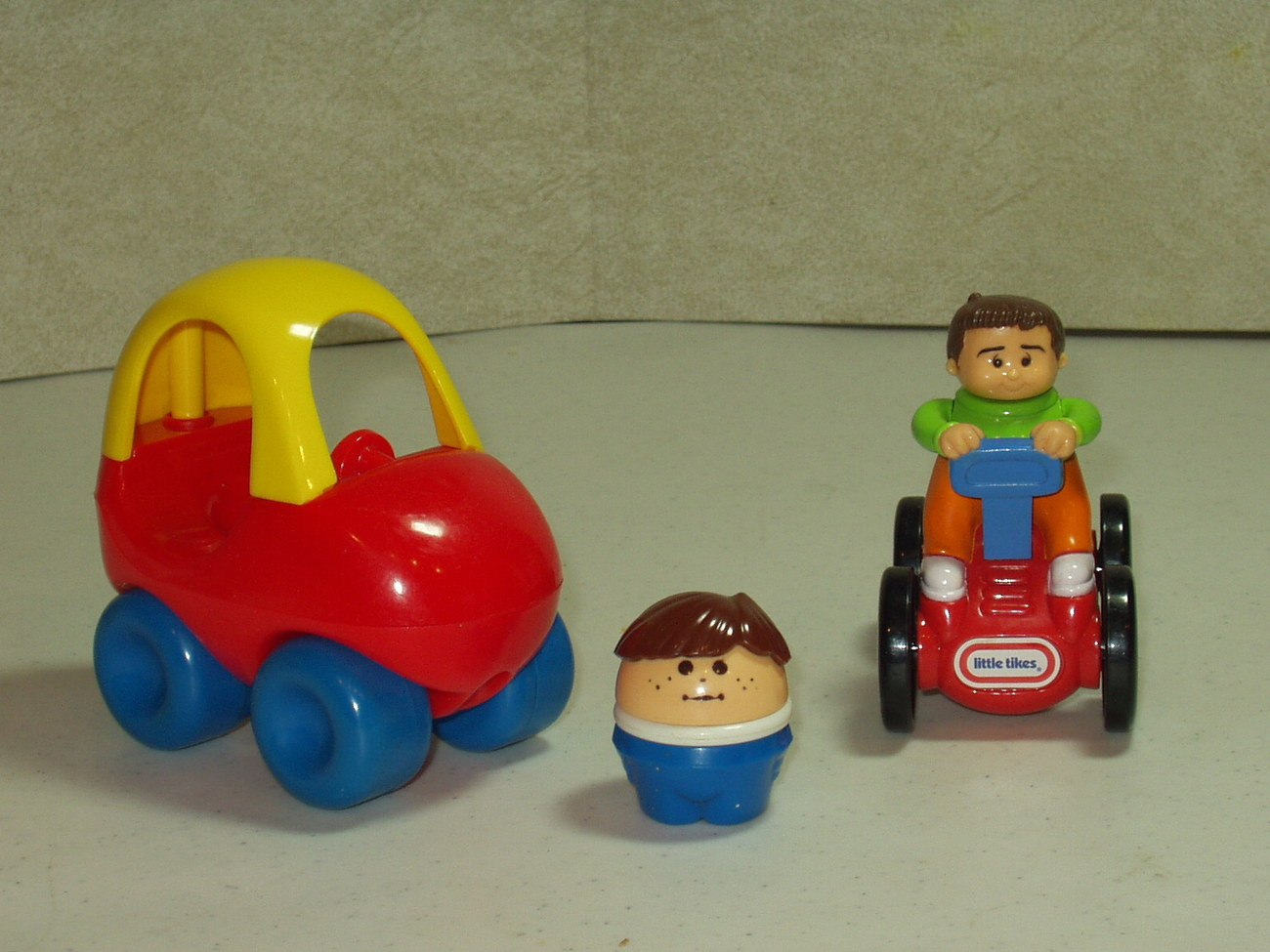 Little Tikes Cozy Coupe & Driver & Burger King Car