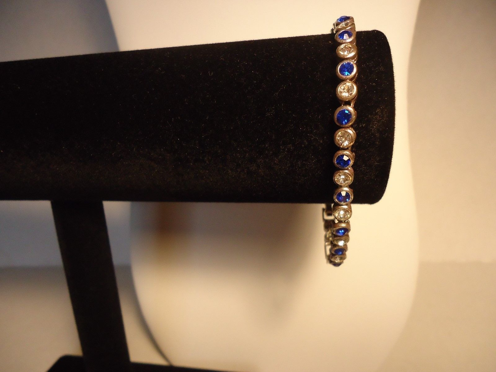 Avon Sparkling Crystal Tennis Bracelet and Earrings Set (Sapphire Color) 2002