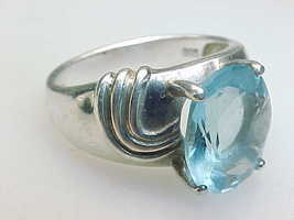 Genuine BLUE TOPAZ Vintage RING in STERLING SILVER - Size 6 - FREE SHIPPING - $85.00