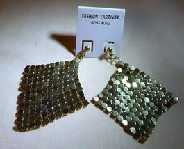 Vintage Pair Goldtone MESH Dangle Pierced Earrings on Original Card Hong... - $10.00