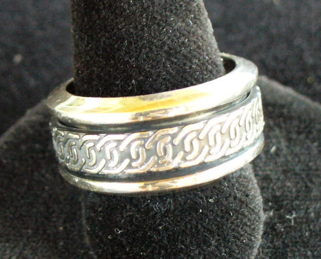 Celtic design Sterling Silver Spin Ring