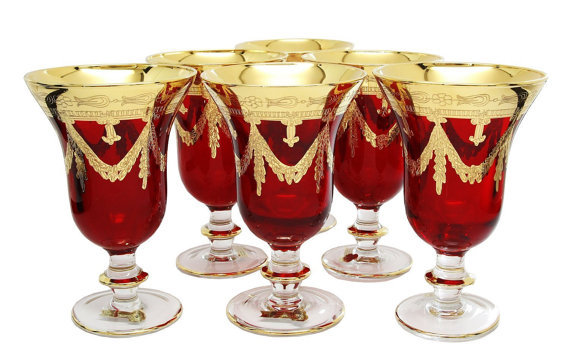 Red 24 kt goblet wine glass 2