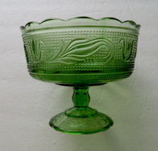 EO Brody USA Green Embossed Tulip Sandwich Pattern Compote / Footed Dish - $12.82