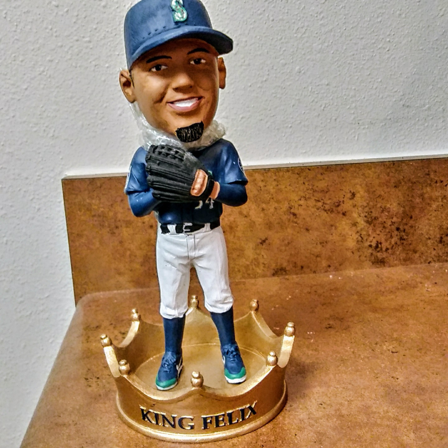 Seattle Mariners King  Felix Hernandez  Bobblehead  2017	Original Box Figurine