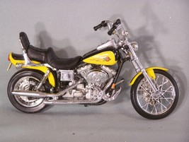 Harley Davidson Motorcycle (Yellow) 1:18 Scale Diecast Maisto - $27.86