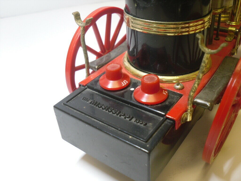 """""""The Mississippi"""" Fire Engine Steam-type AM Transistor Radio by Waco - Japan"""