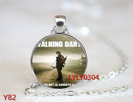 Walking Dar Series Cabochon Necklace >> Combine Shipping << (732 - $3.71