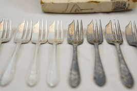 Lot of 10 Vintage EPNS Sheffield England silver plated Cake Pastry forks Org box - $16.93