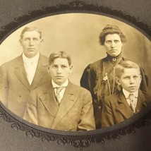 Vtg Victorian Family Photo 4 People Stern Unsmiling Photograph Picture - $19.79