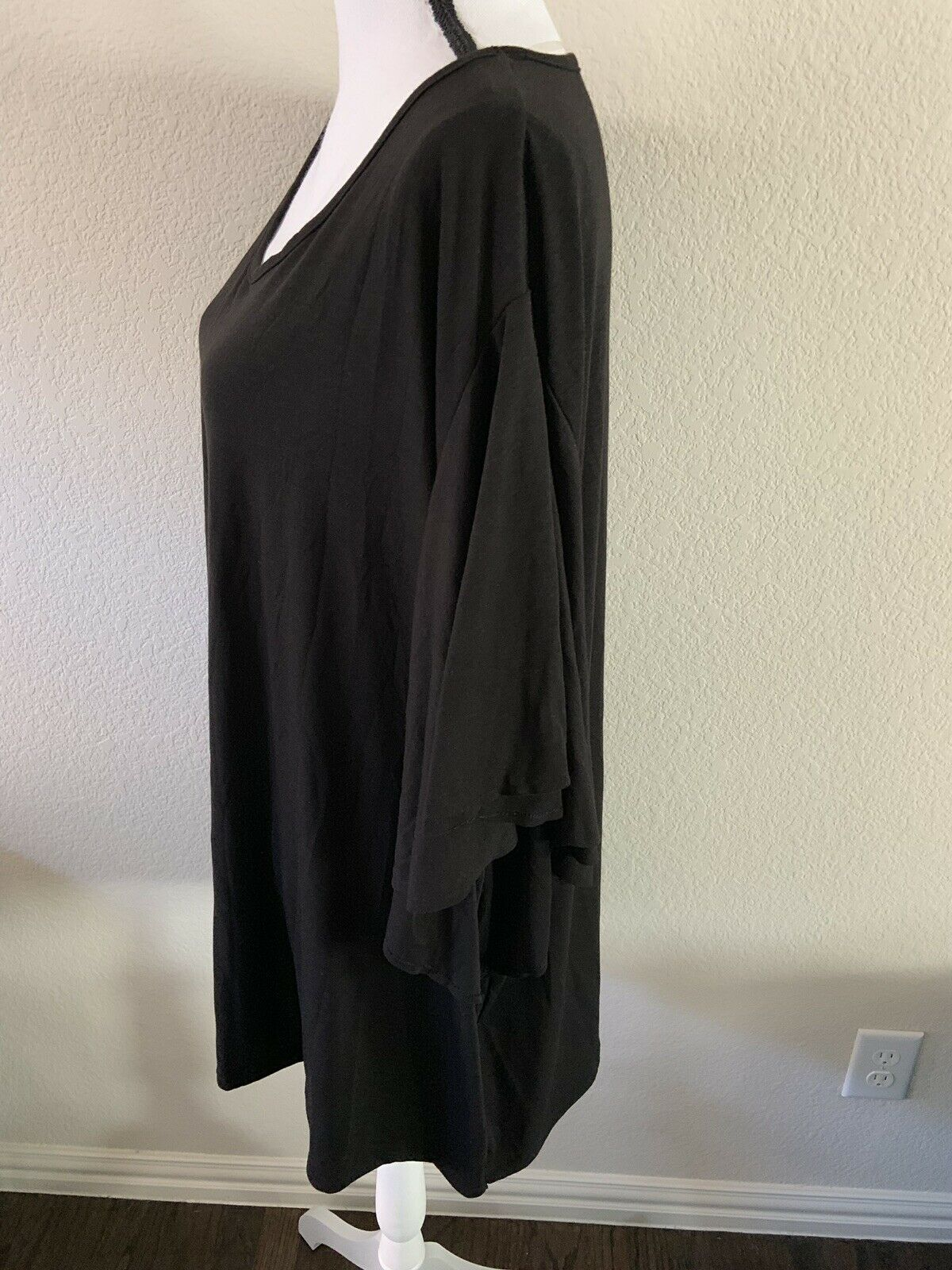 Terra and Sky Ruffle short sleeve t-shirt 2X black