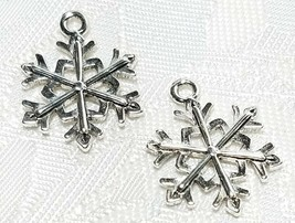SNOWFLAKE FINE PEWTER PENDANT CHARM - 16x20x2mm image 1