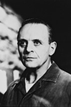 Anthony Hopkins in The Silence of the Lambs 18x24 Poster - $23.99