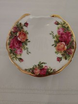 "Royal Albert Old Country Roses 4"" Shell Shaped Dish w Curled Edge England - $18.87"
