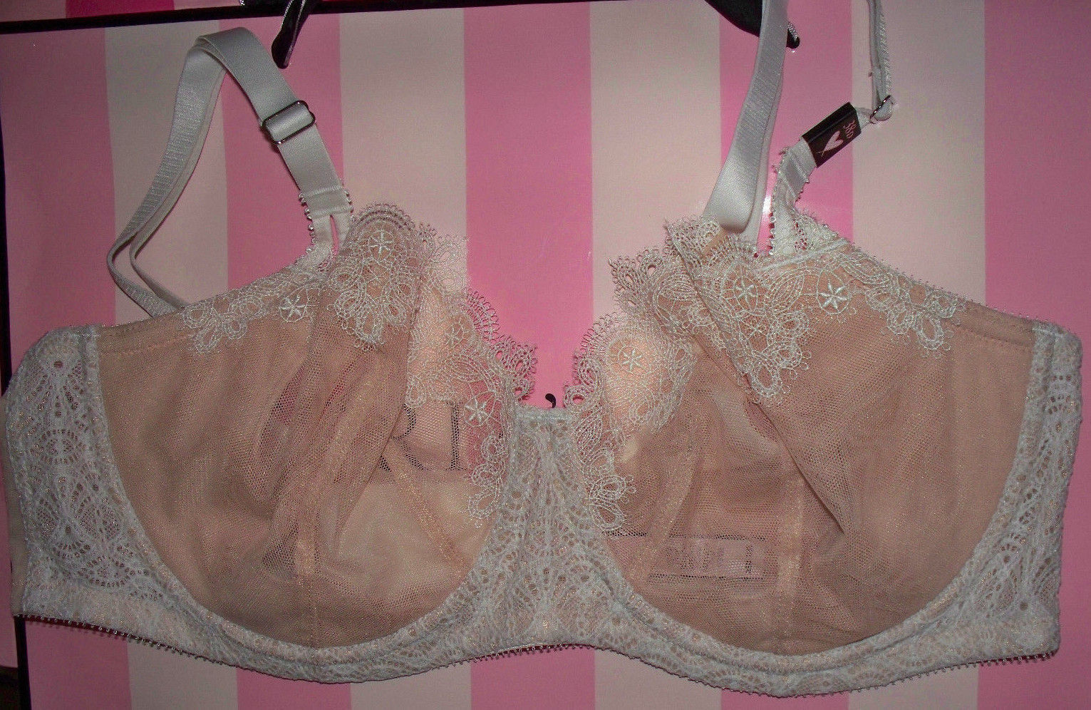 38D  Cream w Nude WICKED Dream Angels UPLIFT PushUp wo pad Victorias Secret Bra