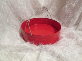 "red round metal basket, hvy duty wire handles, 10"" diam, 3"" tall /sew - $8.60"