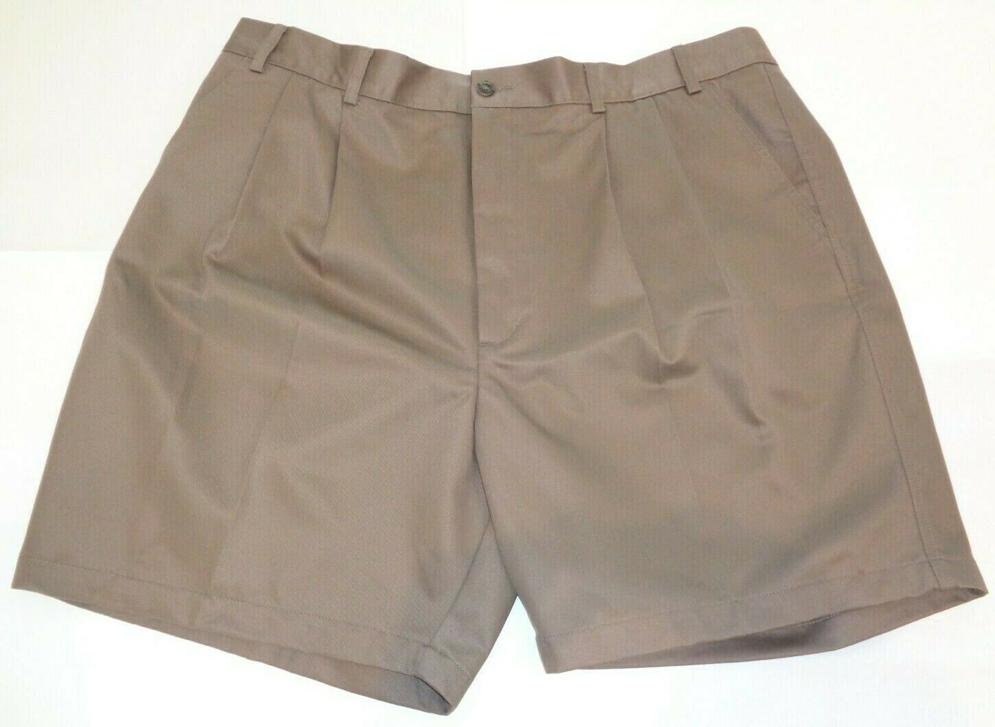 Roundtree & Yorke Size 46 ELASTIC WAIST Brown Cotton Pleated New Mens Shorts