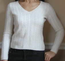 Talbots Petite Ivory Lambswool Blend Cable V-Neck Sweater, Petite P/XS - $7.99