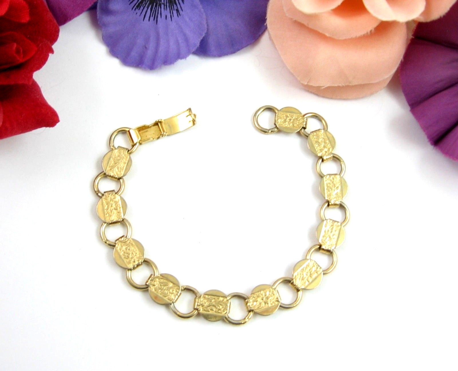 YOUNG AND GAY Goldtone SARAH COVENTRY BRACELET Vintage FLOWER Round Floral 7""