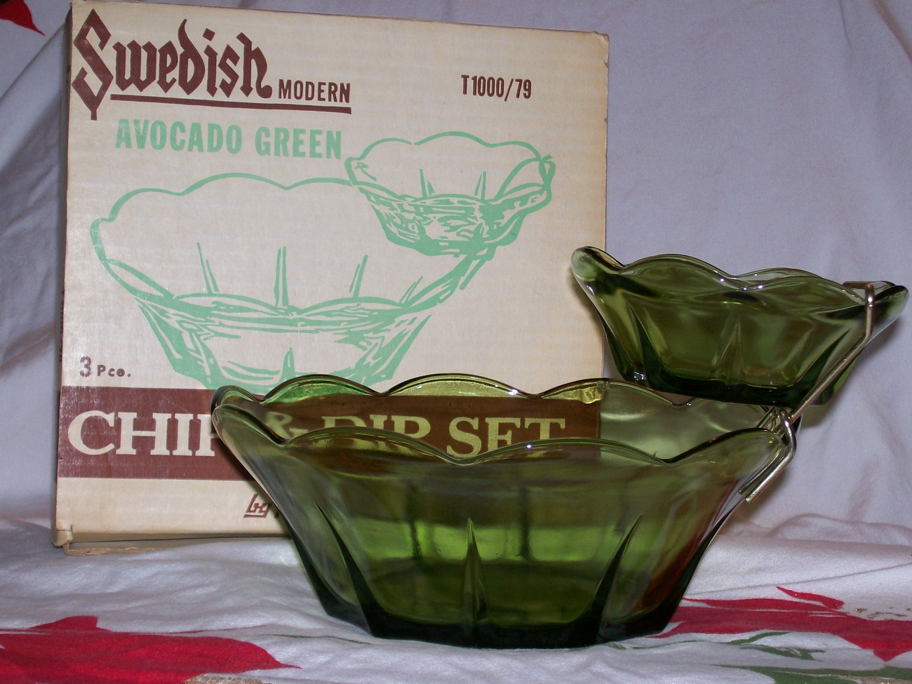 Vintage Anchor Hocking- 2 Tiered- 3 Pc Chip & Dip Set- Avocado Green w/Orig Box