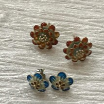 Estate Lot of 2 High Quality Rusty Red & Blue Enamel Small Layered Flowe... - $18.55