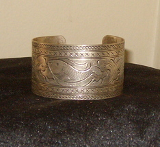 Silver Tone Cuff Bracelet Fish & Detailed Design New